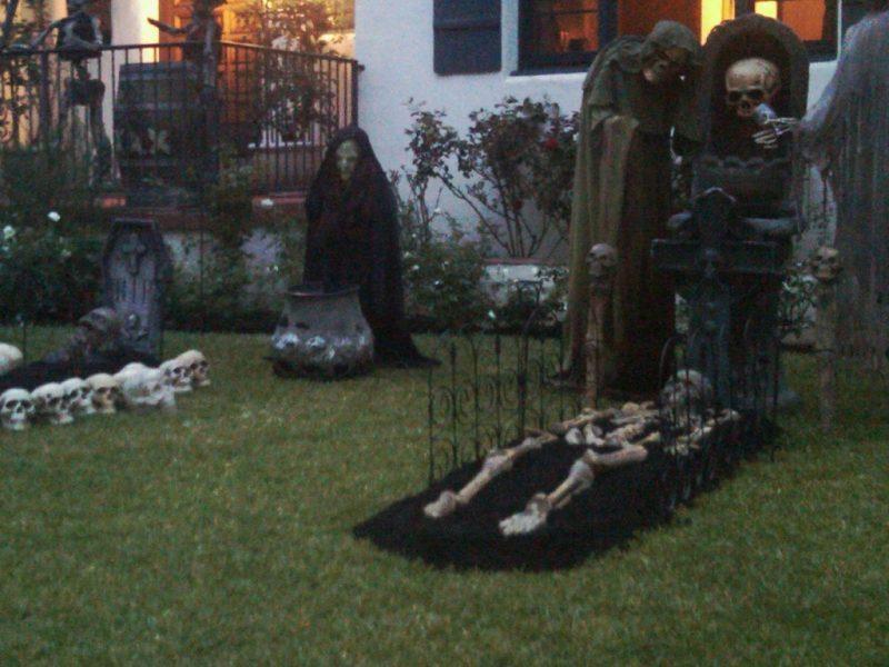 Scary Halloween Yards Photo Source