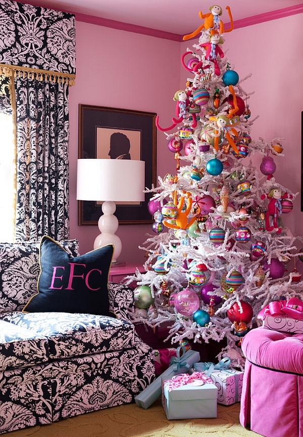 Pink-and-blue-Christmas-tree-decorations