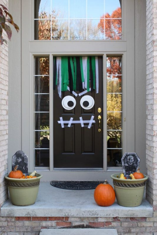 halloween decorating your front door