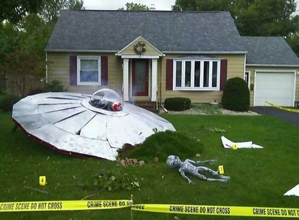 UFO Crash Site Halloween Decorations Photo Source