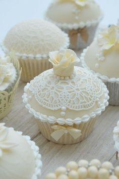 White shabby chic cupcakes
