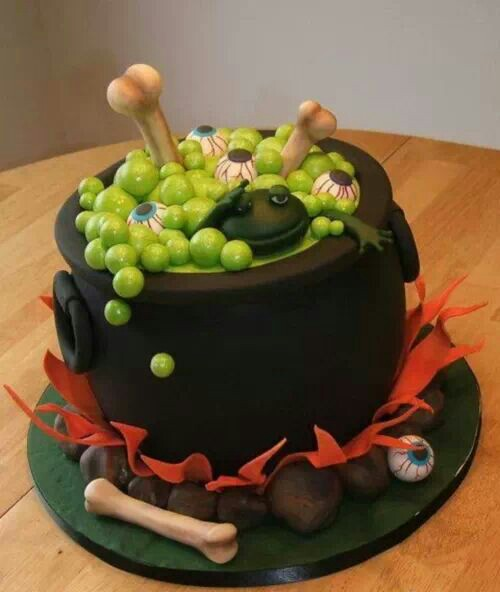 witches pot cake