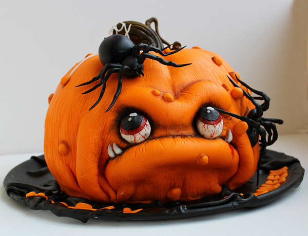 HALLOWEEN-GORY-PUMPKINHEAD-CAKE