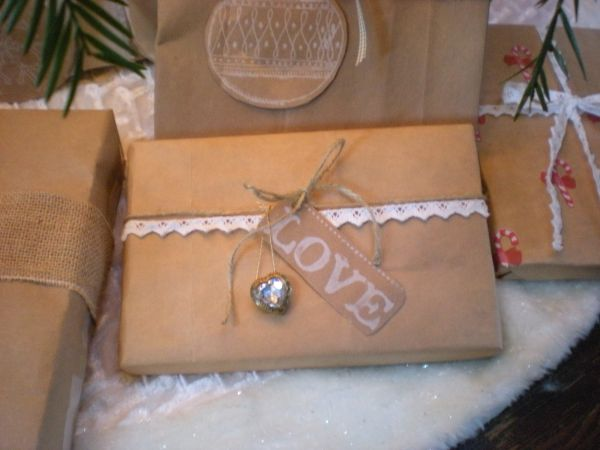 love-brown-paper-for-gift