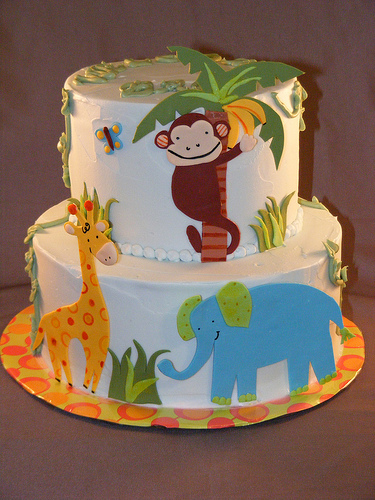 Edible-Baby-Shower-Jungle-Cakes