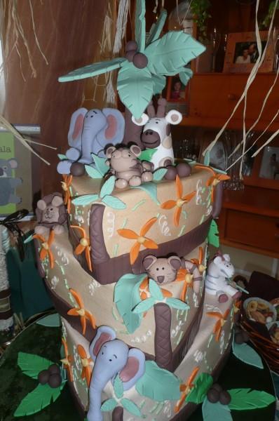 cake-jungle-baby-shower-398x600