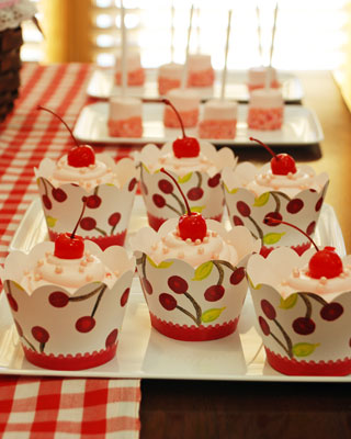 049_cherry_on_top_cupcakes
