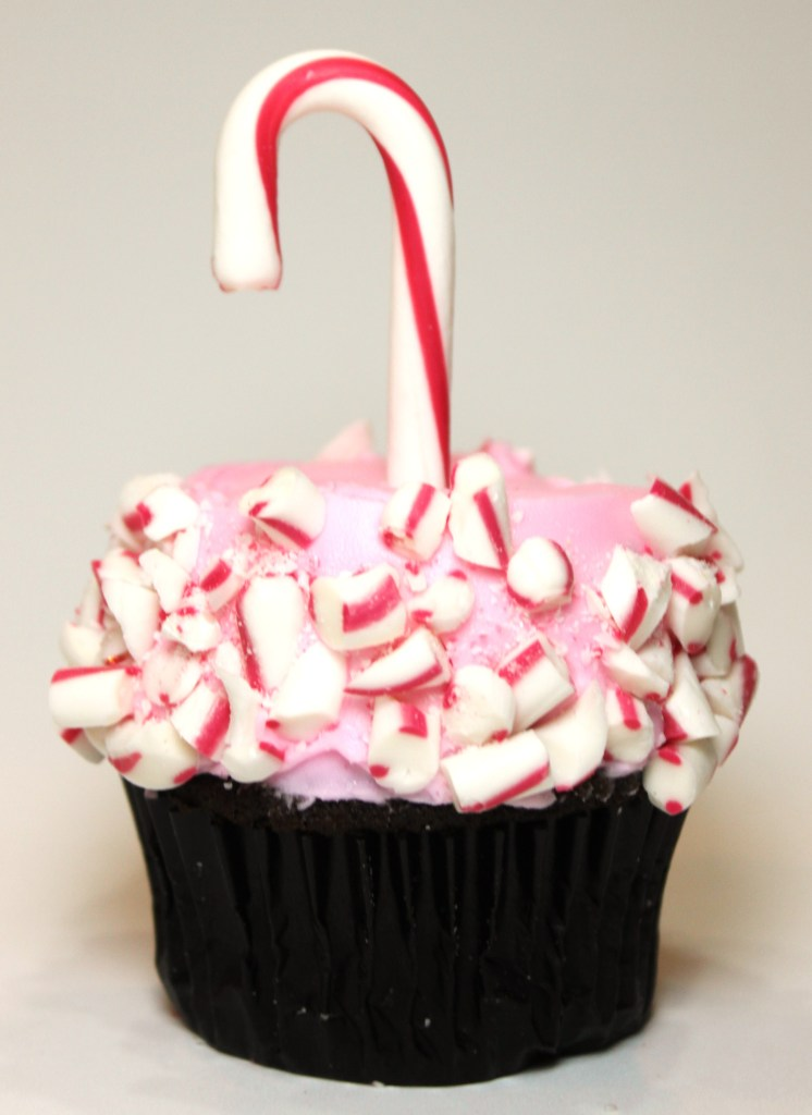 Pretty-in-Pink-Christmas-Candy-Cane-Cupcakes