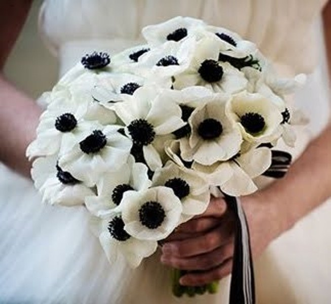 beautiful-winter-wedding-bouquets-55