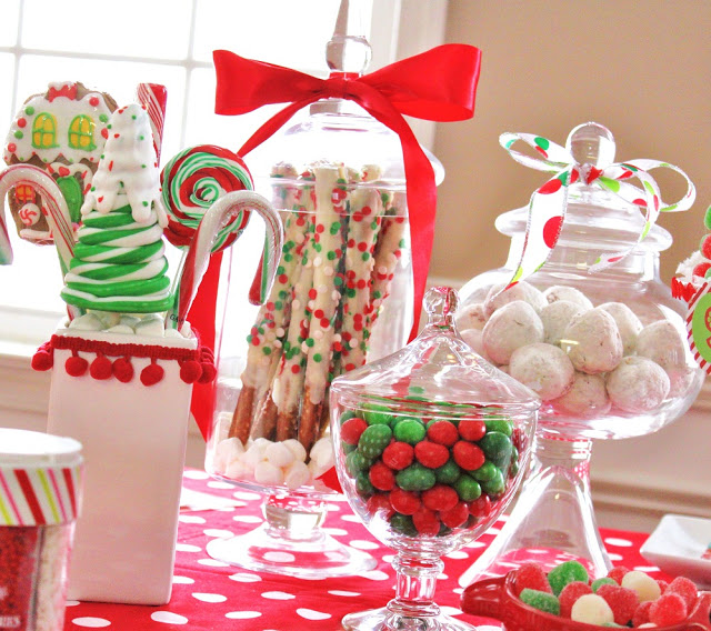 Christmas Dessert Table by sugarplumsoirees.co.uk