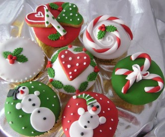 red white and green cupcakes
