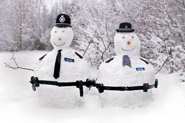 creative-funny-snowman-ideas-3