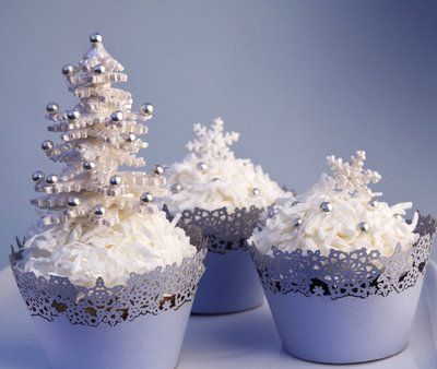 white christmas tree cupcakes