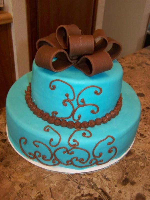 chocolate and turquoise cake