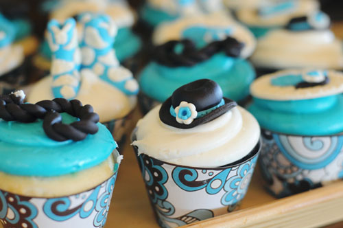 western-cowboy-turquoise-baby-shower-cupcakes-paisley-wrappers