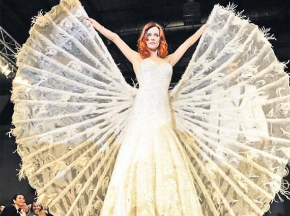 250000-Swarovski-Encrusted-Designer-Wedding-Dress