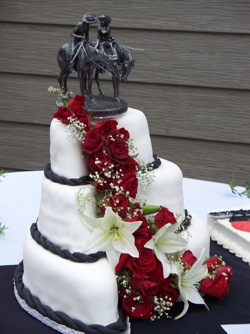 Country-Western-Wedding-Cakes-11