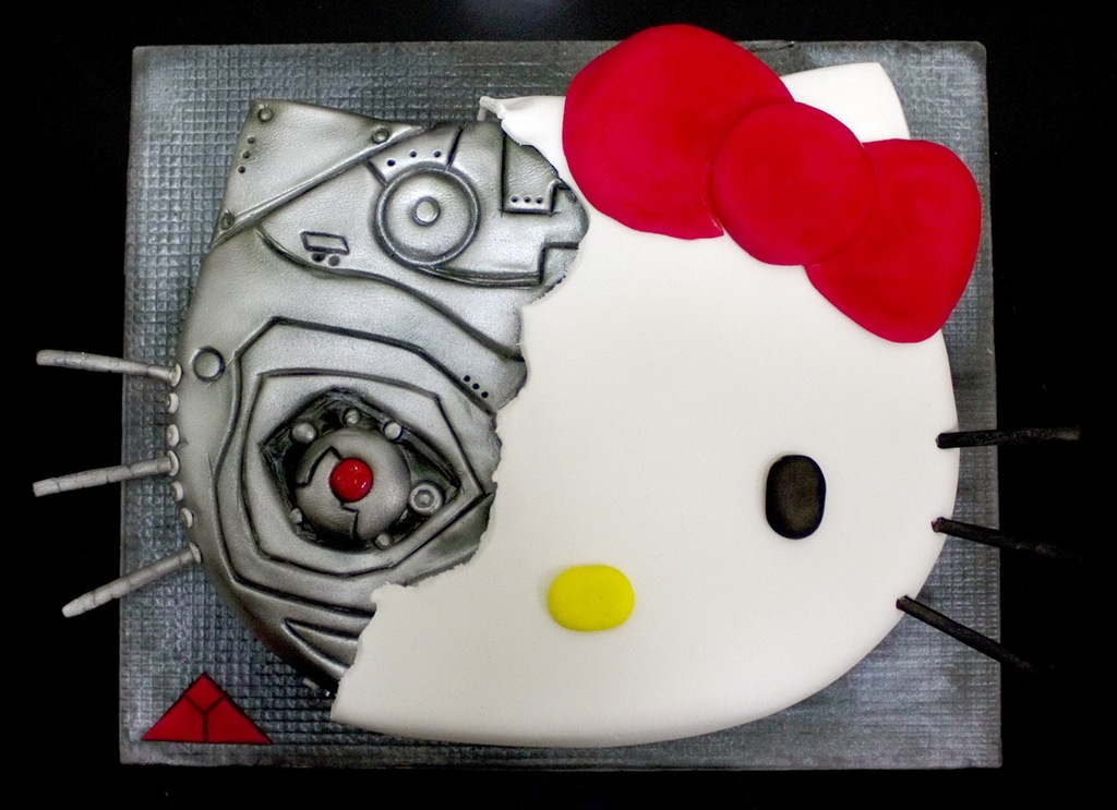 Hello-Kitty-terminator-cake