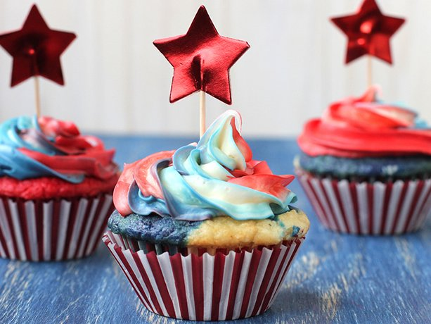 Red-White-and-Tie-Dyed-Cupcakes
