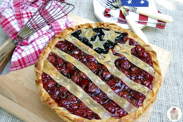 Stars-and-Stripes-Pie-on-HoosierHomemade.com_1
