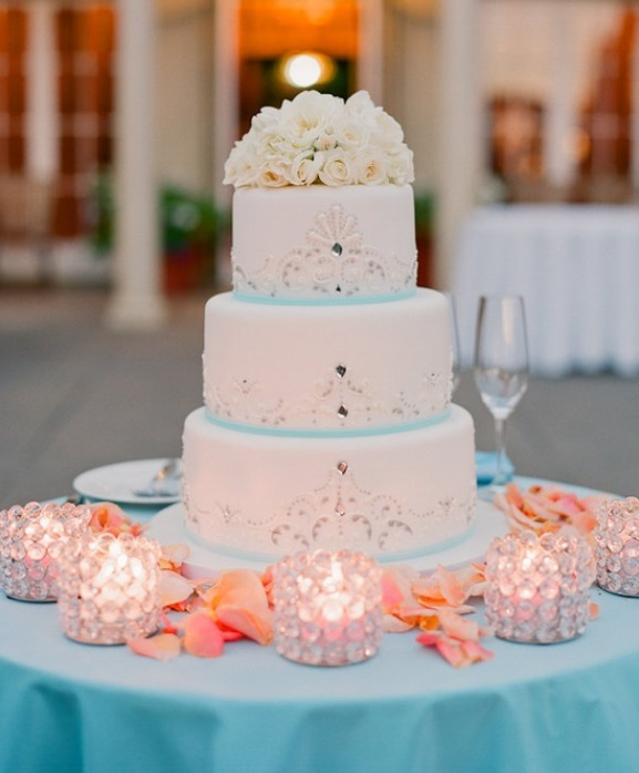 Stylish Beach Wedding Cake