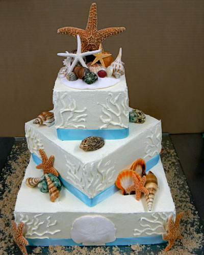 Beautiful Tropical Wedding Cake with Starfish