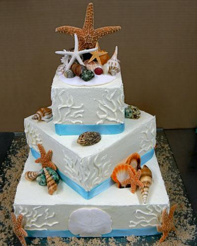 Beautiful Tropical Wedding Cake with Starfish