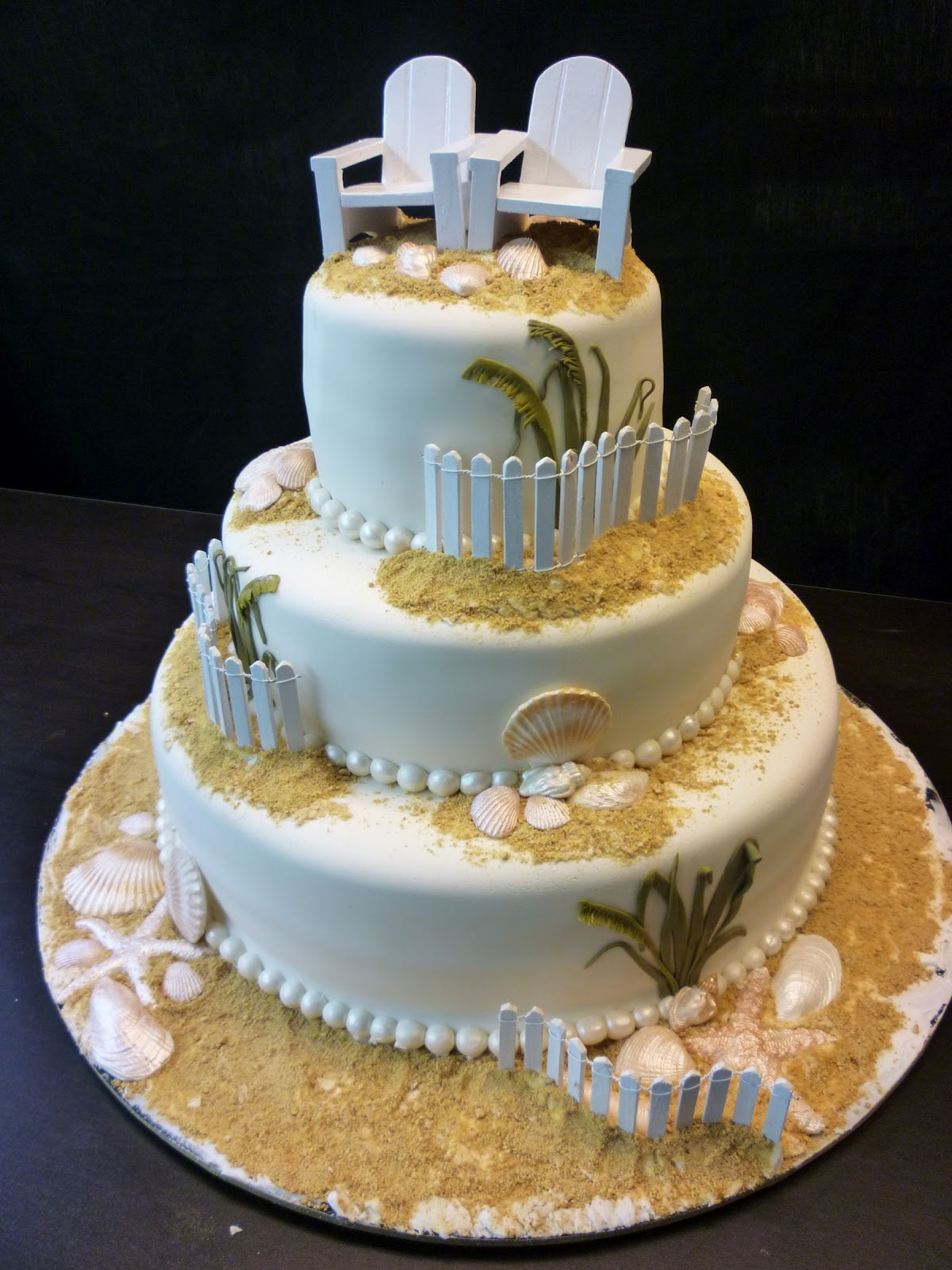 cake-with-chairs