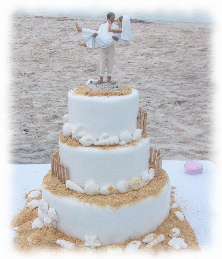 unique beach wedding cakes