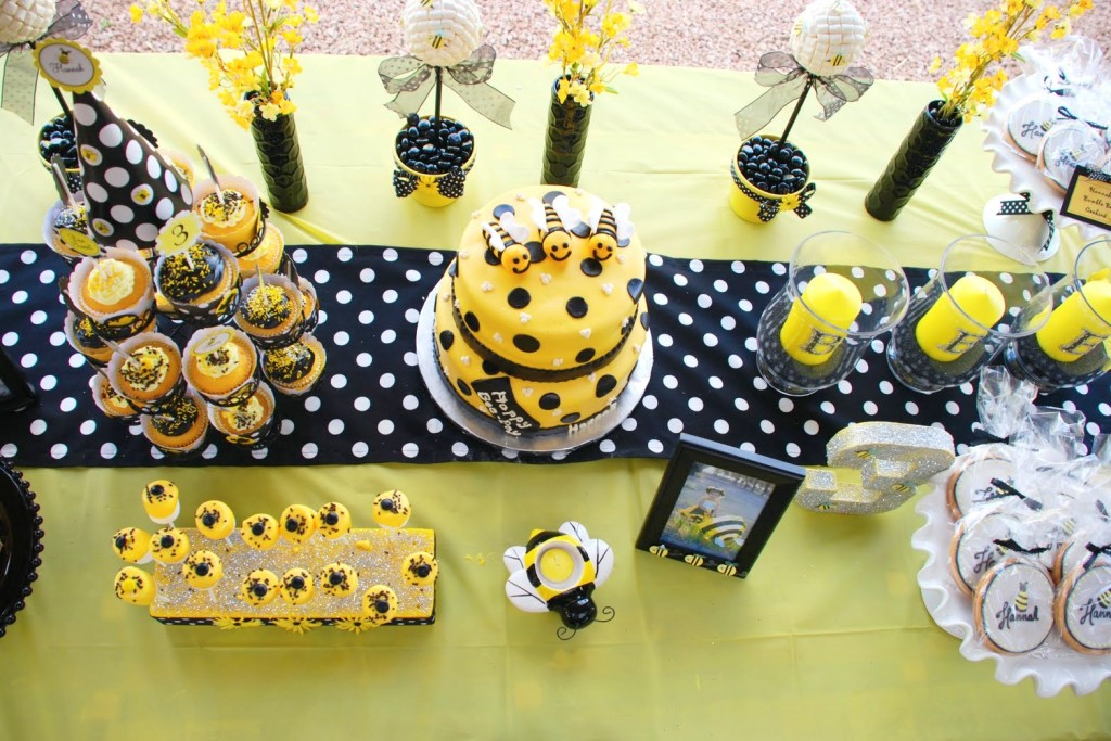 click here to see other bumble baby shower pictures and ideas