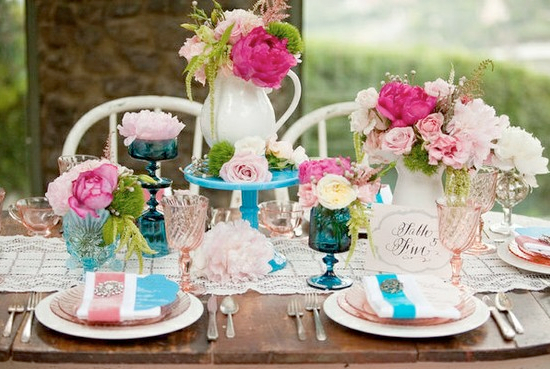 pink-turquoise-table-centerpieces.001