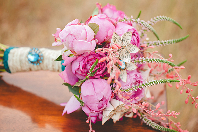 romantic-pink-and-turquoise-wedding-inspiration-Denise-Nicole-Photography-Glamour-Grace-01