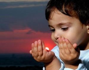 praying-child1-300x237 (1)