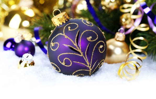 gold and purple Christmas decorations