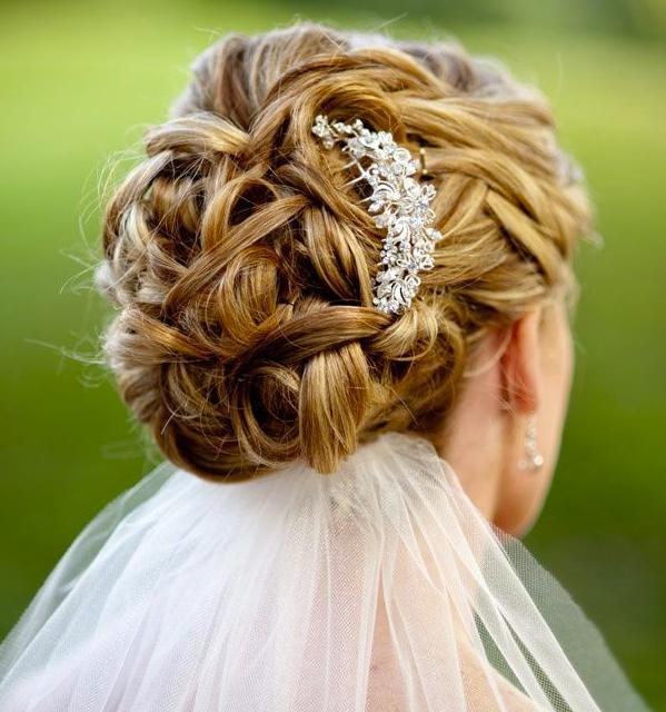 wedding hairstyle bun