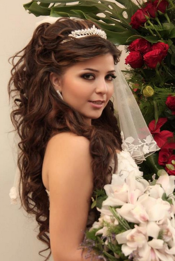 curly-wedding-hairstyle